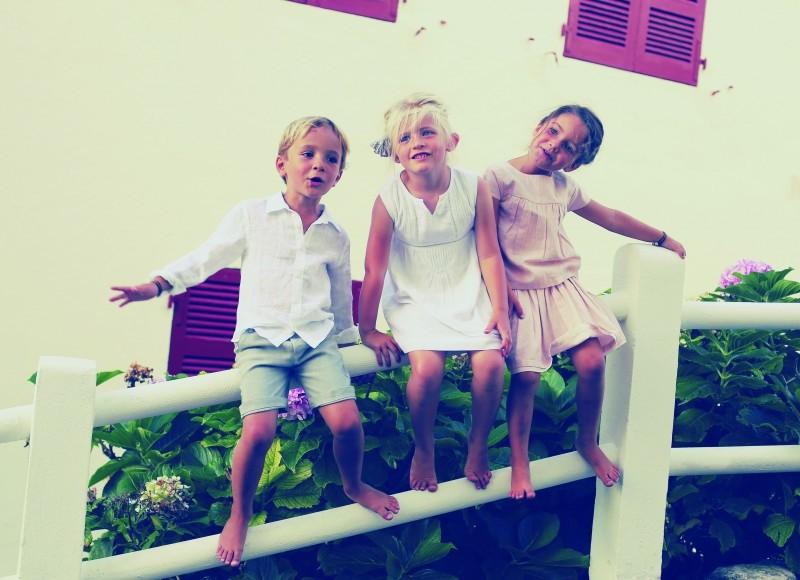 Petit guide à l'usage des parents qui emmènent leur baby-sitter en vacances