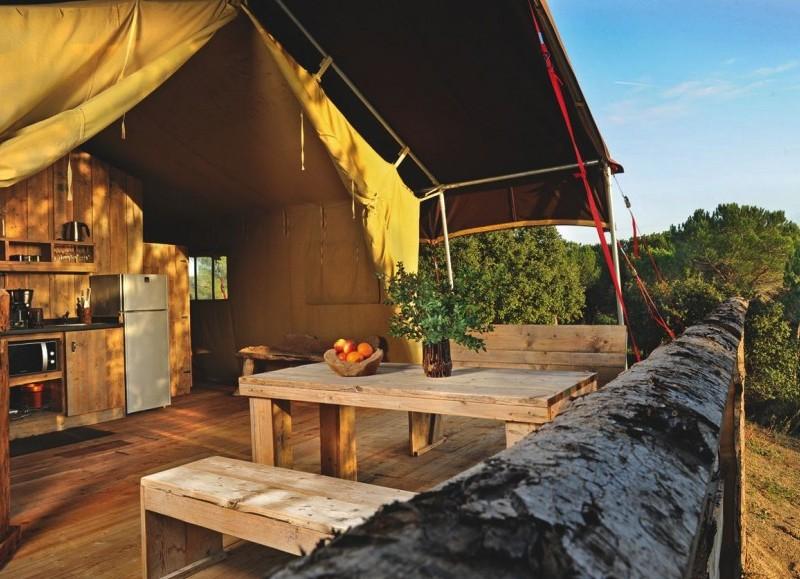 Domaine de Saint Colombe : un lodge dans la Pinède en Petite Camargue