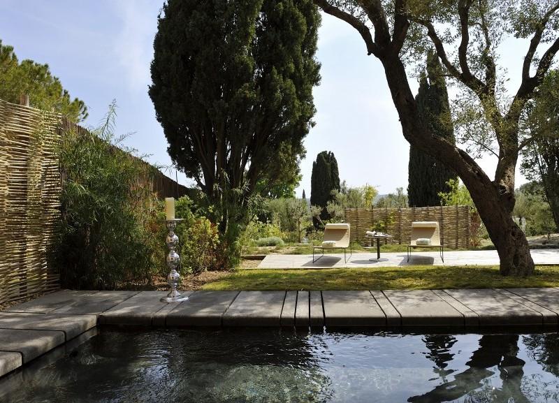 Hôtel Muse : villas privées et familles choyées sous les pins à Saint-Tropez