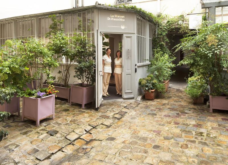 Les soins naturels et holistiques pour les mamans de La Maison Dr. Hauschka, Paris (75011)