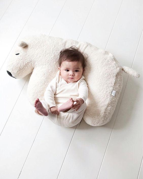 pr noms c lestes pour fille et gar on ces inspirations li es au ciel les louves. Black Bedroom Furniture Sets. Home Design Ideas