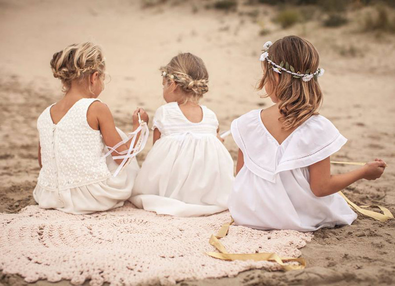 208f395c5a266 Lire aussi sur Les Louves Robe blanche et landau   inspirations pour un  mariage à trois · Quelle tenue choisir pour un mariage quand on est  enceinte