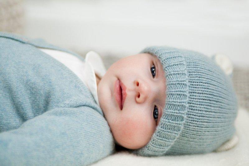 Trousseau de naissance: tenues intemporelles pour nouveaux-nés