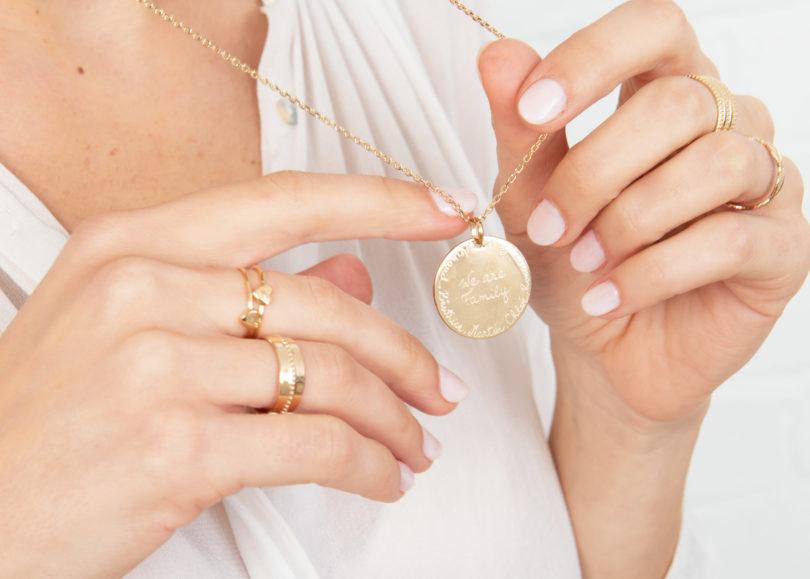 Bijoux personnalisés : nos idées de cadeaux pour la fête des mères