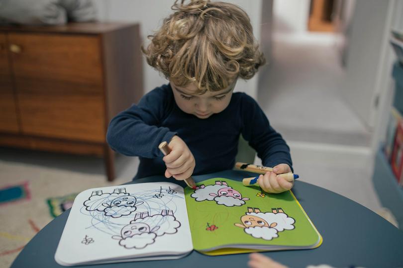 Confinement: 4 exercices de sophrologie à pratiquer avec les enfants de 3 à 6 ans