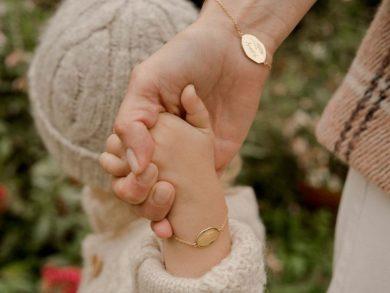 chloe-x-merci-maman-mini-bracelet-worn-1
