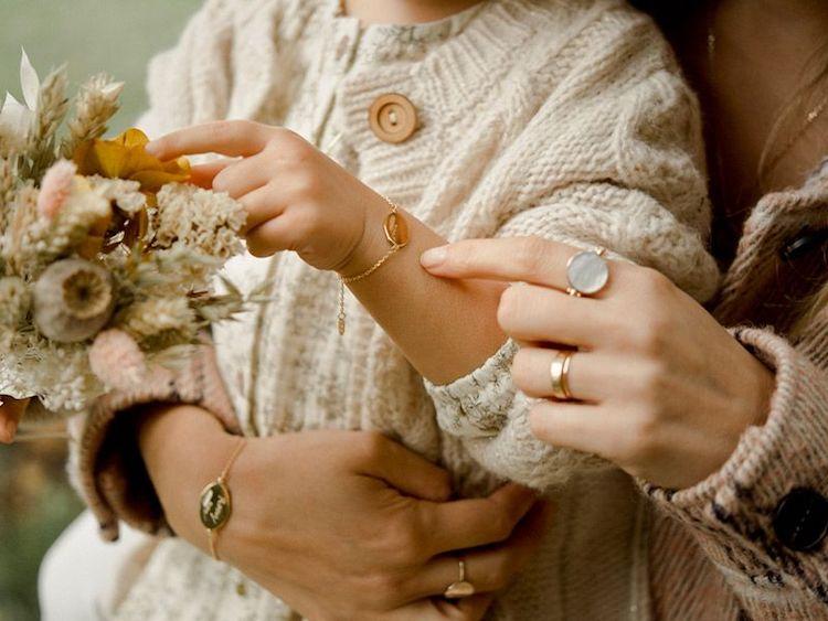 Bijoux personnalisés : notre sélection de cadeaux pour toute la famille
