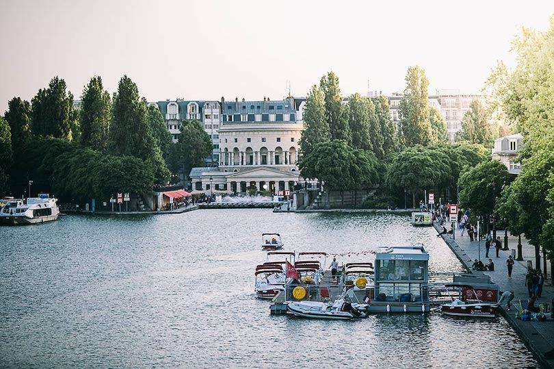 Marin d'eau douce : virée en bateau pour les moussaillons des villes