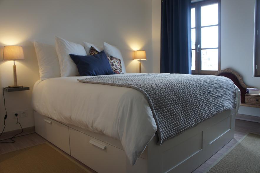 l autre maison a luxury cocoon in honfleur les louves. Black Bedroom Furniture Sets. Home Design Ideas