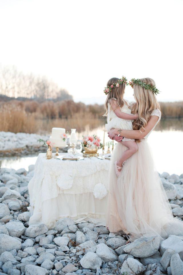 Robe blanche et landau : inspirations pour un mariage à trois