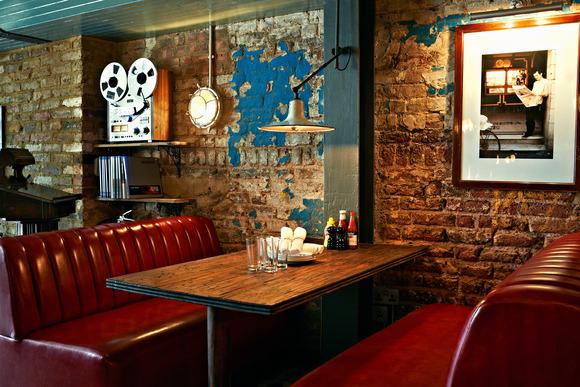 Electric Diner : Burger break on Portobello Road