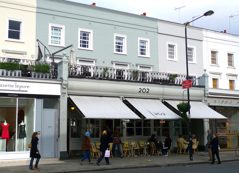 """202 London: The """"It"""" Cafe for the Stylish Moms of Notting Hill"""