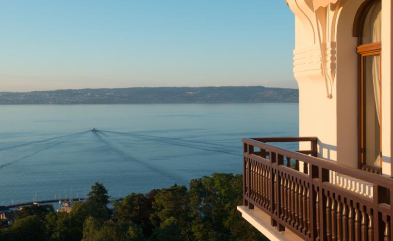 Hôtel Royal à Evian : le palace qui déroule le tapis rouge aux enfants