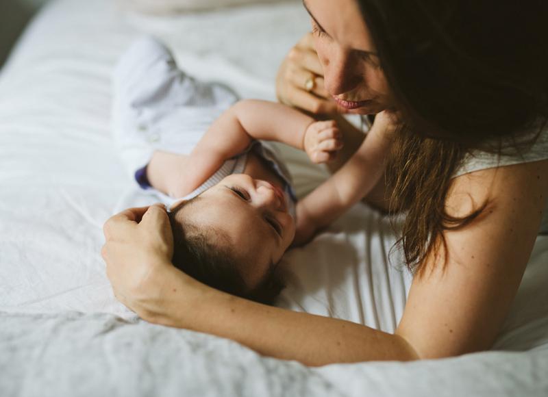Maternité instinctive : et si on décidait de se faire confiance ?