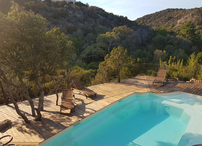 Corsica, Spain, South: 5 houses for rent with pool for summer holidays