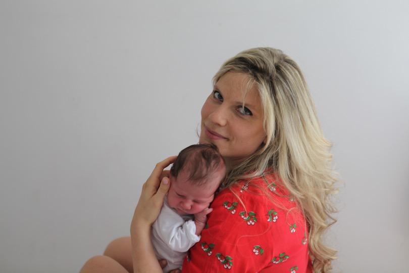 Confidences de maman: l'accouchement naturel d'Angèle Ferreux-Maeght