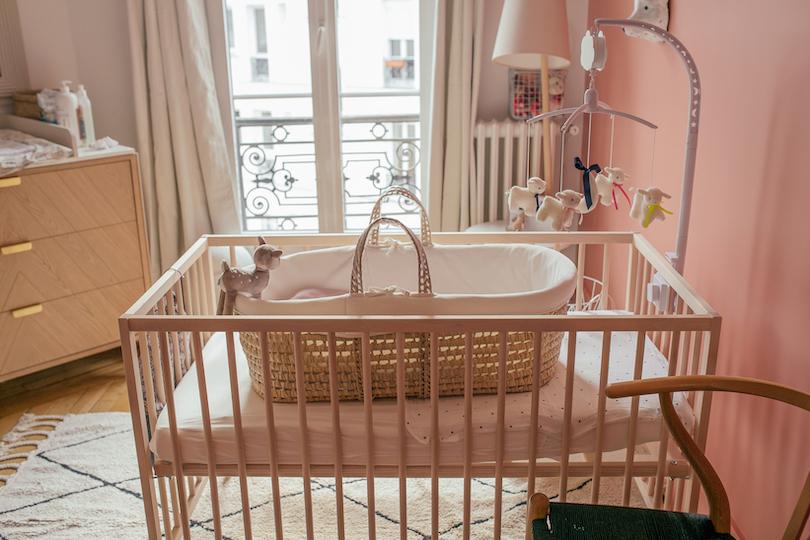 Trousseau de naissance: les essentiels pour la chambre du bébé