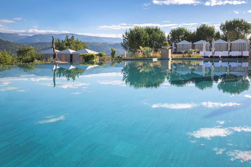Les plus belles adresses avec piscine pour des vacances en famille en France