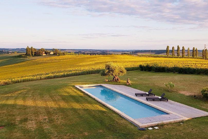 Vacances en France : 5 maisons avec piscine pour passer l'été au vert