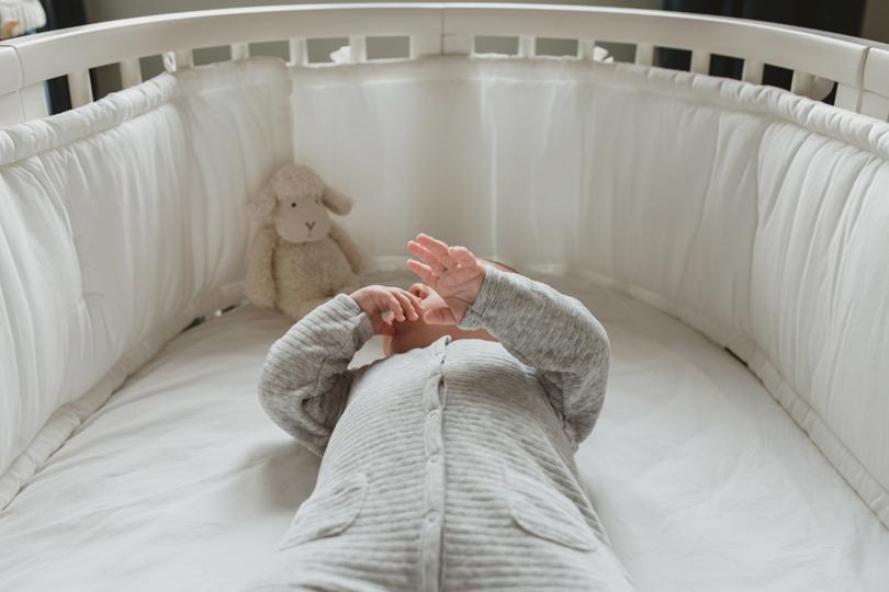 Les pleurs du nouveau-né : comment les supporter sans stresser ?