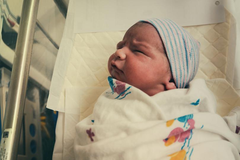 Tendances prénoms : nos 10 favoris du mois d'octobre pour petit garçon